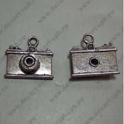 """Подвеска """"фотоаппарат """" 22х22 ант серебро"""
