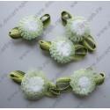 Цветы пришивные хризантемы10 мм с зеленью 25 мм
