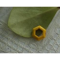 Бусина имитация бирюзы Шестиугольник, цвет - желтый, 23х20мм, 1шт