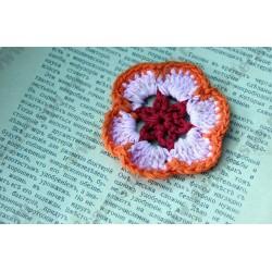 Вязанный цветок