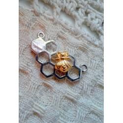 Коннектор Соты с пчелкой, 25х14мм, цвет - серебро, золото, 1шт