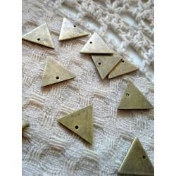Подвеска Треугольник, 14х12мм, цвет - античная бронза, 1шт