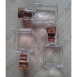 Бутылочка стеклянная с пробкой, кубик, 14х25мм